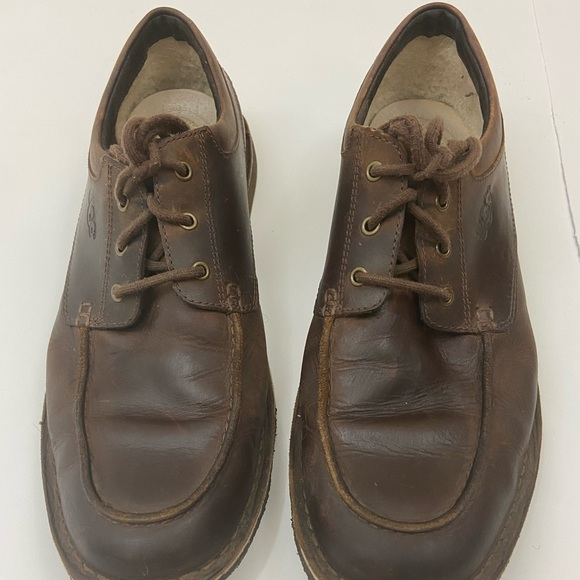 UGG Other - UGG LACE UP LEATHER BROWN SHOE